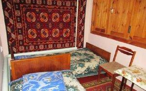 У Гули и Эдема, гостиный двор  – Черноморское – Крым