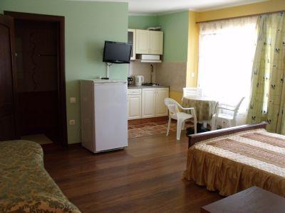 Большая Медведица, гостиный двор – Черноморское – Крым