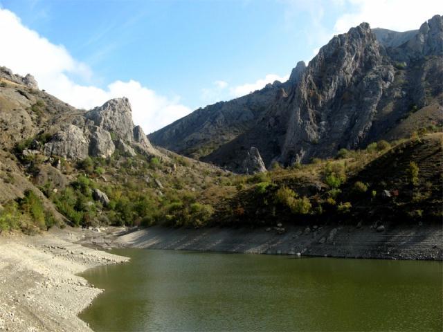 Арпатские водопады. Крым.