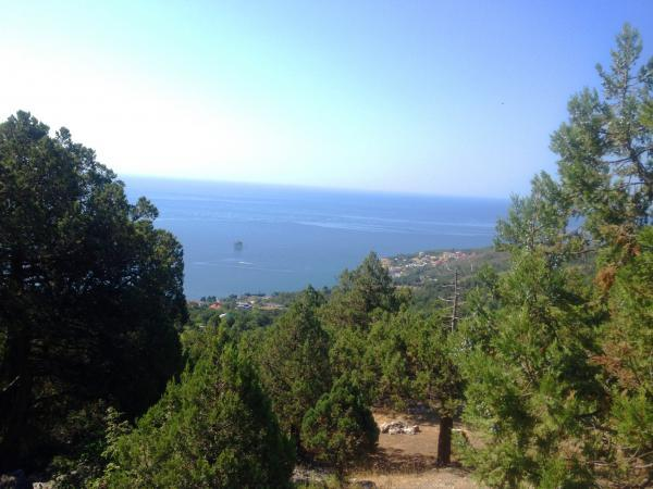 Голубой залив в Крыму. Города и поселки Крыма.