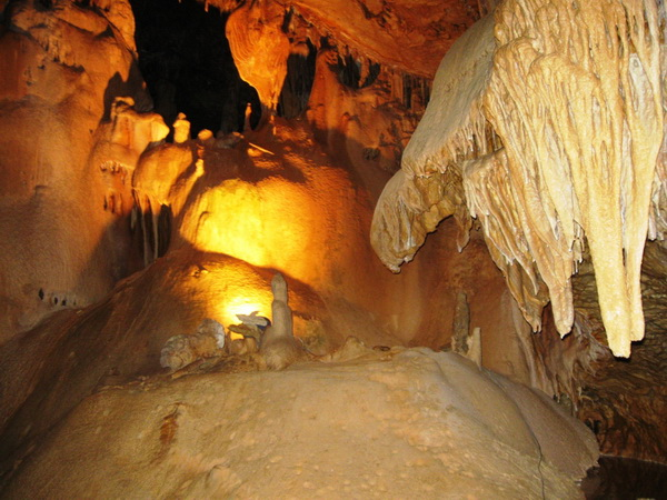 Мраморная пещера. Крым.
