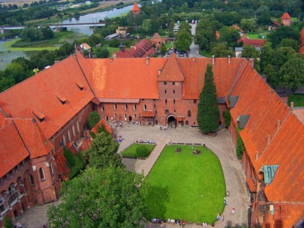 Мариенбург – средневековый замок. Польша. Польша.