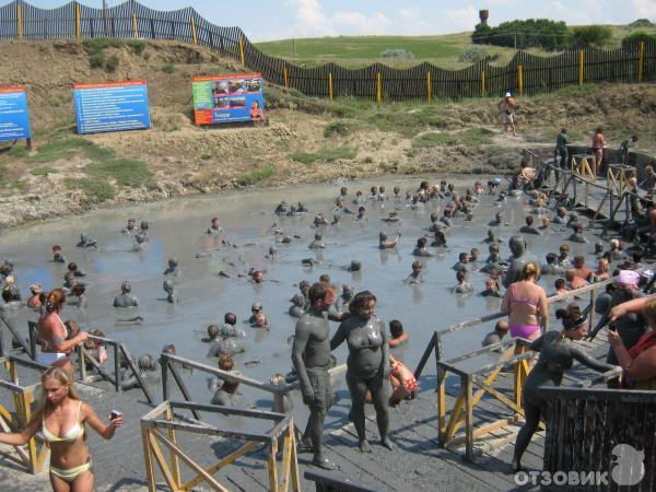 Лечебные грязи Ханского озера. Ейск. Ейск.