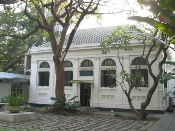 Адреса посольств и консульств в Королевстве Таиланд. Другие страны.