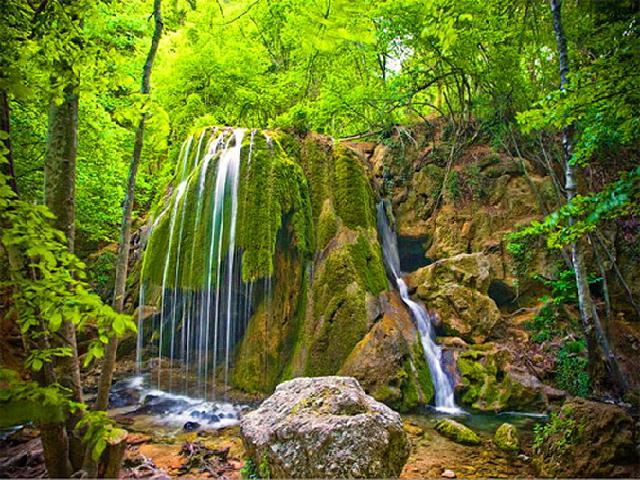 Водопад Серебряные струи. Крым