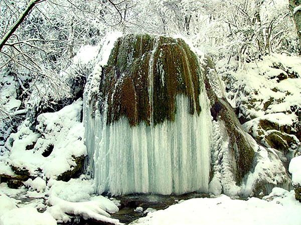 Водопад Серебряные струи. Крым Зима.