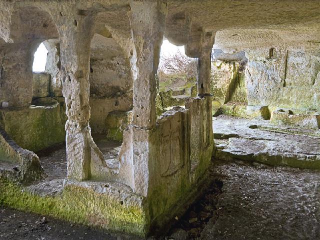 Пещерный город Тепе-кермен. Крым.