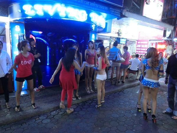 Волкин Стрит в Паттайе — центр мирового разврата. Таиланд